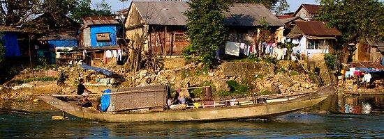 Vietnamese Living - Hue by Jordan Miscamble