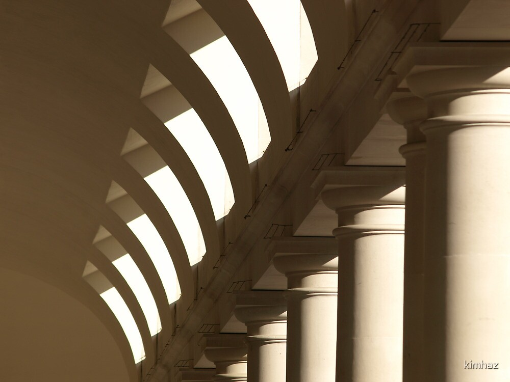 Colonnade - Covent Garden, London by kimhaz