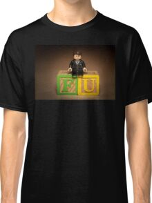 Frank Underwood on blocks Classic T-Shirt
