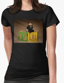 Frank Underwood on blocks with Gun Womens Fitted T-Shirt