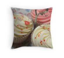 Pretty pink cupcakes Throw Pillow