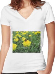 Bumble bee on dandelion (2) Women's Fitted V-Neck T-Shirt