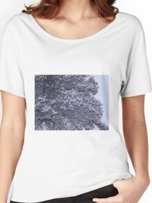Tree with berries and snow Women's Relaxed Fit T-Shirt