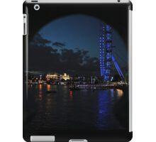 LONDON EYE THAMES PEEPHOLE iPad Case/Skin