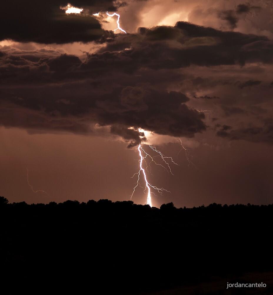 Lightning over Toodyay by jordancantelo
