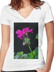 geranium in the garden Women's Fitted V-Neck T-Shirt