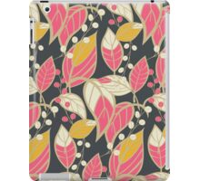 Seamless floral pattern with hand drawn leaves iPad Case/Skin