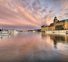 Amazing sky over Stockholm by cloud7