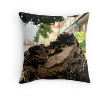 LONDON GARDEN 13 ~ Garden Ants In Flowering Blooms Throw Pillow
