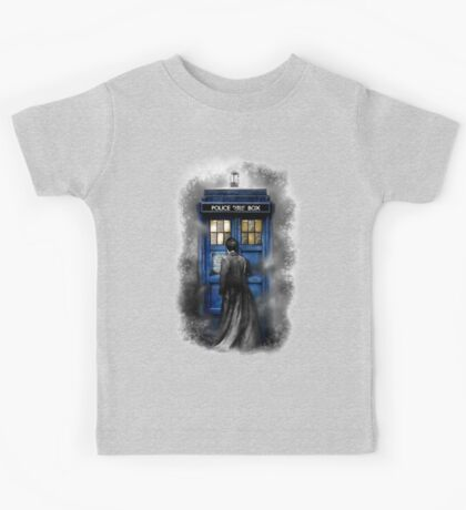 Mysterious Time traveller with Black suit Kids Tee