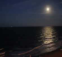 full moon over Virginia Beach by katpartridge