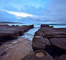 Wild Ocean. 15-7-11. by Warren  Patten