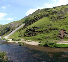 Dovedale Pano by Paul  Green