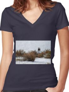 Vintage Hunting House in Winter Women's Fitted V-Neck T-Shirt