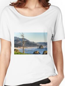 Hay stack rock beach Women's Relaxed Fit T-Shirt