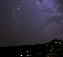 Lightning over Mount Royal by AndreCosto
