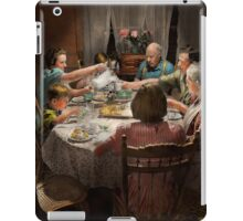 Family - Home for the holidays 1942 iPad Case/Skin