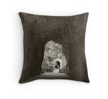Othello Tunnels Throw Pillow