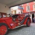 Fire engine from Bergen by Annbjørg  Næss