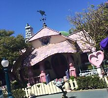 Minnie House by Micaelabradshaw