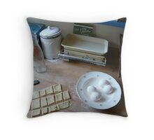 Biscuits then back Throw Pillow
