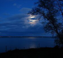 Full Moon Lake Simcoe by cdnjen