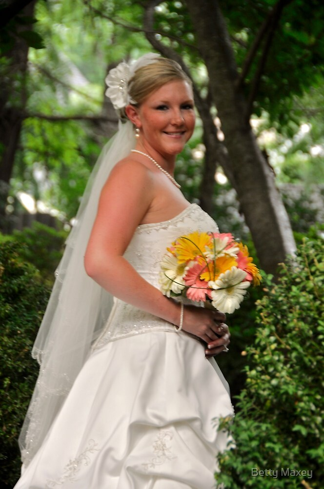Steph- Bridal Portrait Shoot by Betty Maxey