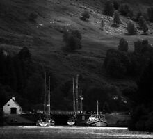 Approaching Cullochy Lock.  by Mbland
