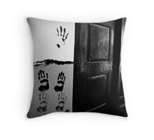 Who lives here... Throw Pillow