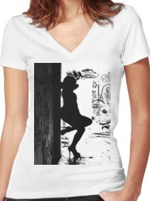 Urban Beauty Women's Fitted V-Neck T-Shirt