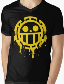 Heart pirates trafalgar law one piece Mens V-Neck T-Shirt