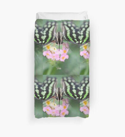butterfly on the flower Duvet Cover