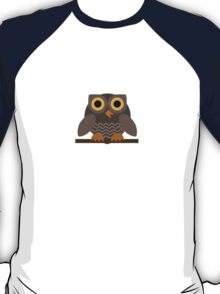 Sitting Grey Owl  T-Shirt