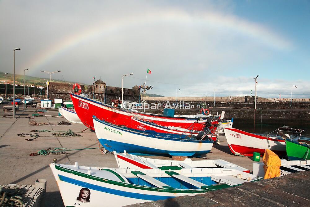 Rainbow at the harbour by Gaspar Avila