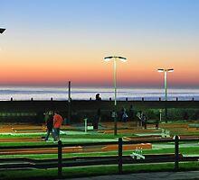 Mini Golf Maxi Colour by Simon Gottschalk