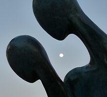look the moon - mirar la luna by Bernhard Matejka