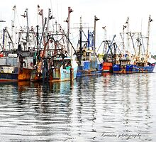 Sketched look of fishing boats... by Poete100