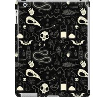 Witchcraft pattern with animal skulls iPad Case/Skin
