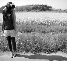 Girl by Field in black & white by Lauren Neely