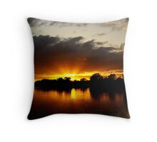Sunrise at Mannum Throw Pillow