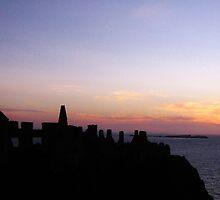 Dunluce Castle, N Ireland by stephangus