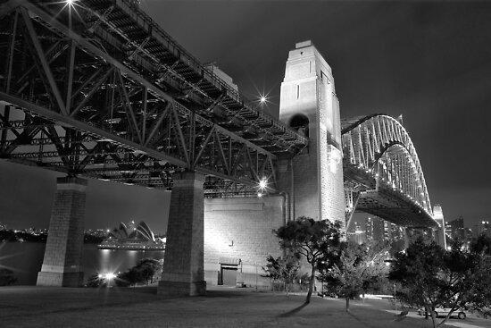 Sydney Harbour Bridge at night by Thomas Joannes