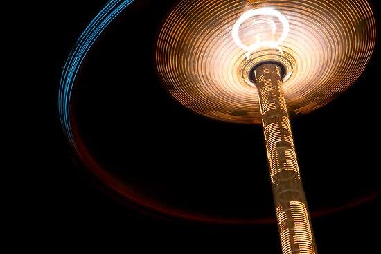 Flying Saucer Landing by Zohar Lindenbaum