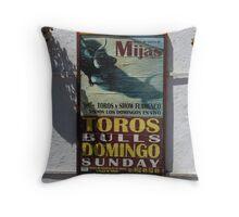 Toros Domingo Throw Pillow