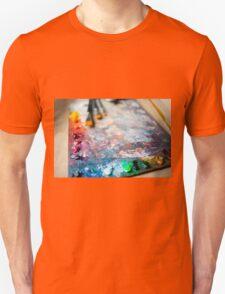 Many oil mixed paints T-Shirt