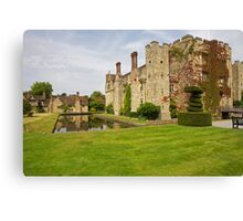 Hever castle and cottages Canvas Print