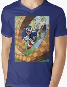 sonic on the run Mens V-Neck T-Shirt