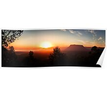 Pantoneys Crown - Capertee Valley at Sunrise Poster
