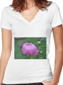 Pink peony Women's Fitted V-Neck T-Shirt