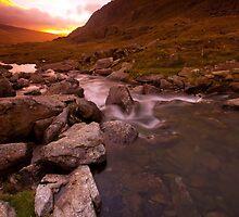 Llyn Idwal at Dawn by pjallens